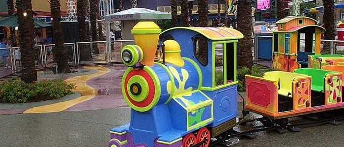 רכבת חשמלית -לונה פארק